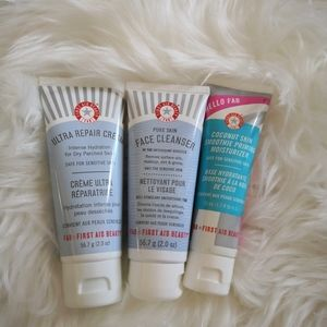 First aid beauty skincare set